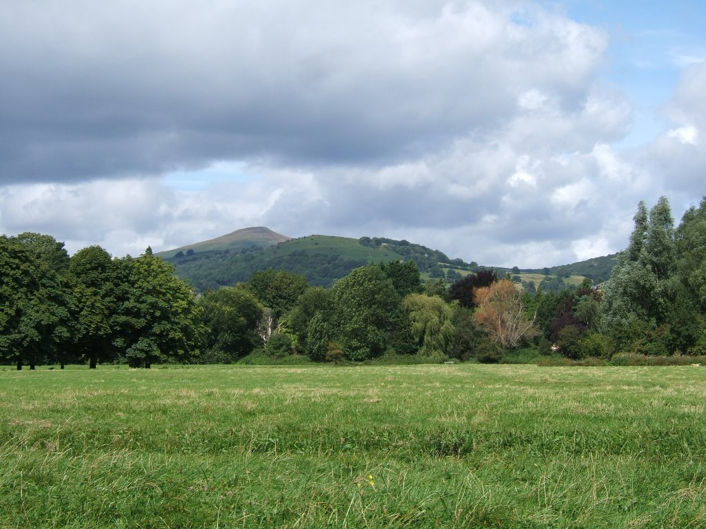Castle Meadows-Abergavenny & Sugar Loaf