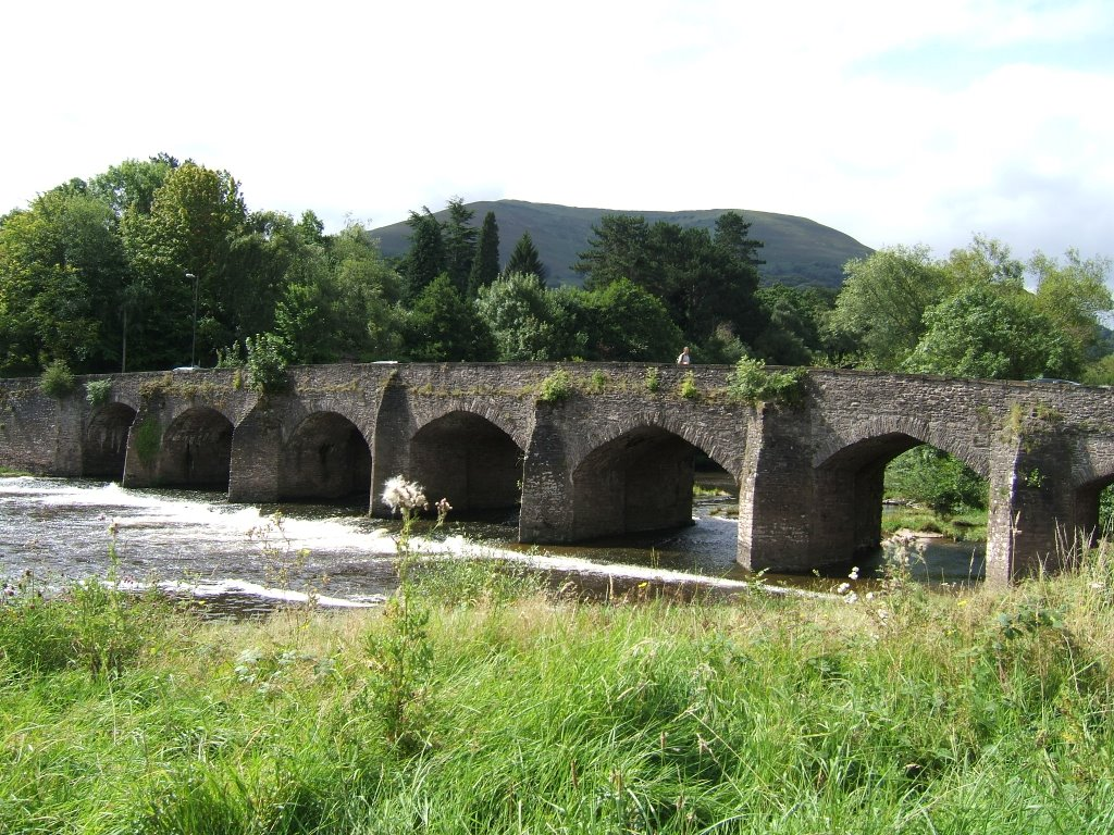 Abergavenny.--- Blorenge & Llanfoist Bridge over the River Usk