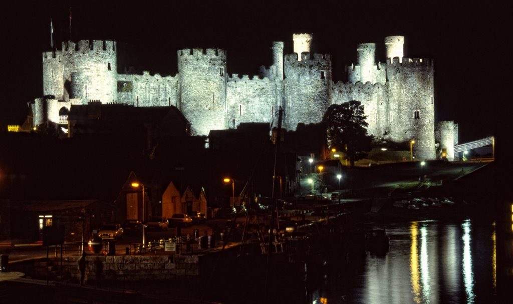 Conwy Castle by night from East