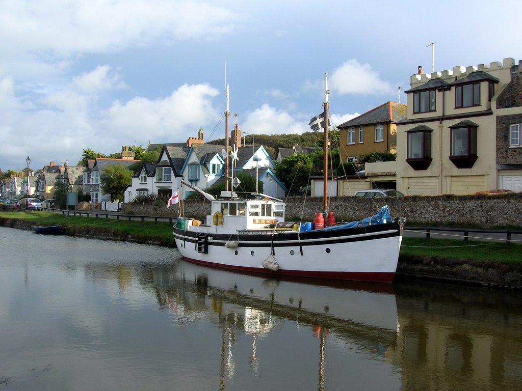 Pleasure Yacht on Bude Canal