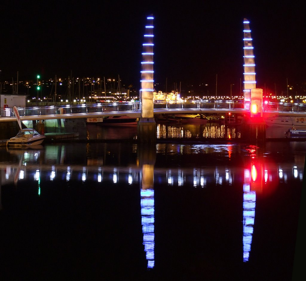 #12  Two Stainless steel masts and Reflection - UK - 2011 January NPC