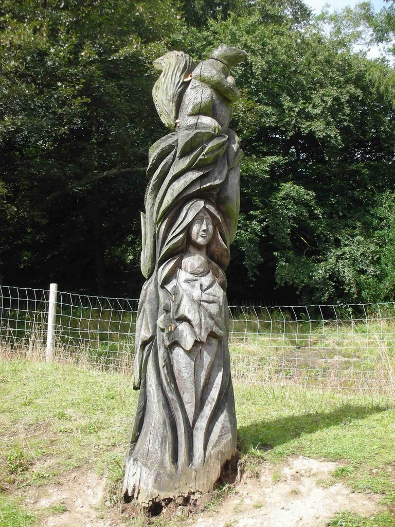 Carved Tree Trunk 2 - Matlock