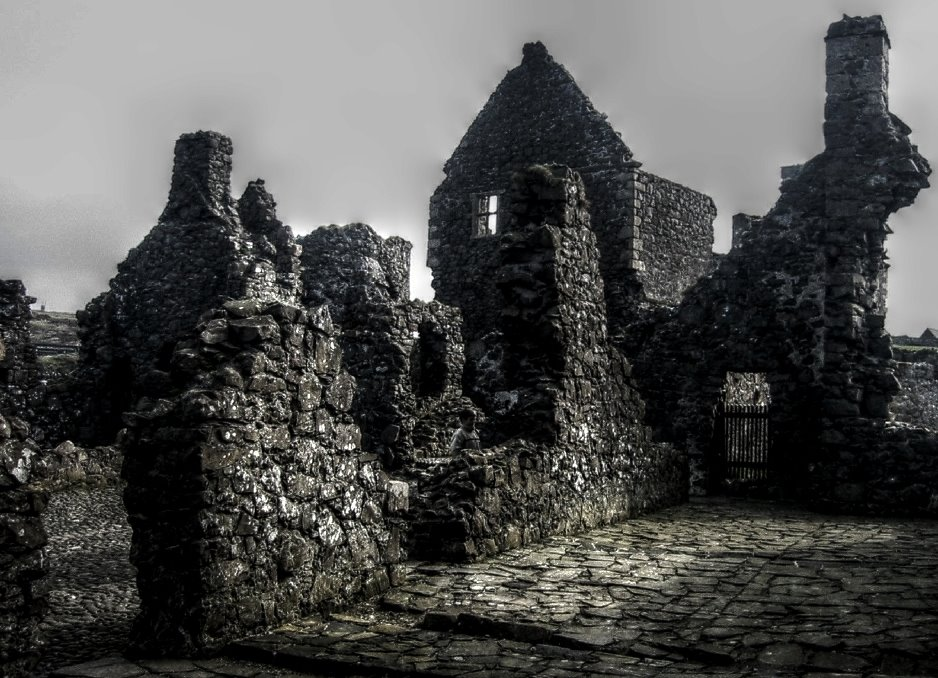 Northern Ireland, Dunluce Castle (HDR)