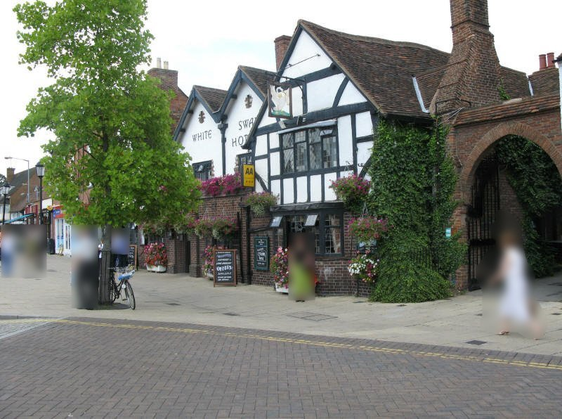 The White Swan Hotel - oldest in Stratford