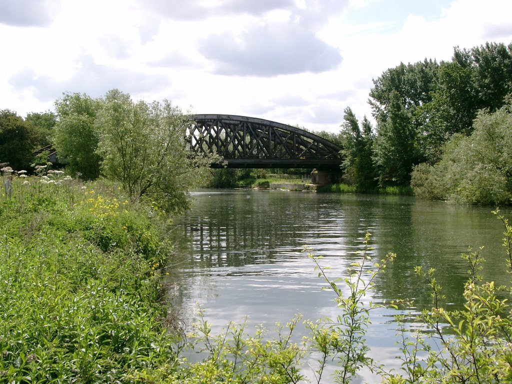 Railway bridge over the Thames near Culham