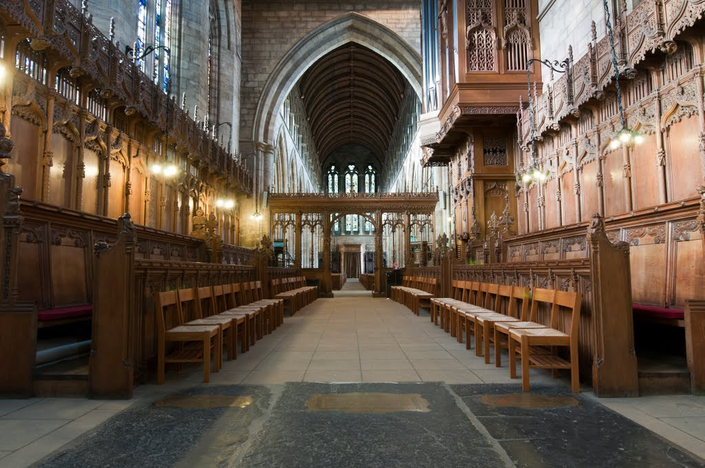 Straight from the RAW File - Dunblane Cathedral VIII - From The Choir To The Nave