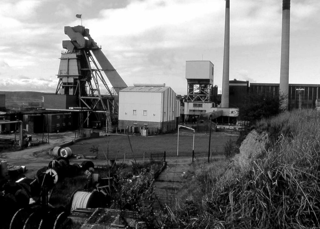 Grimethorpe Colliery 1990 by Roy Mitchell