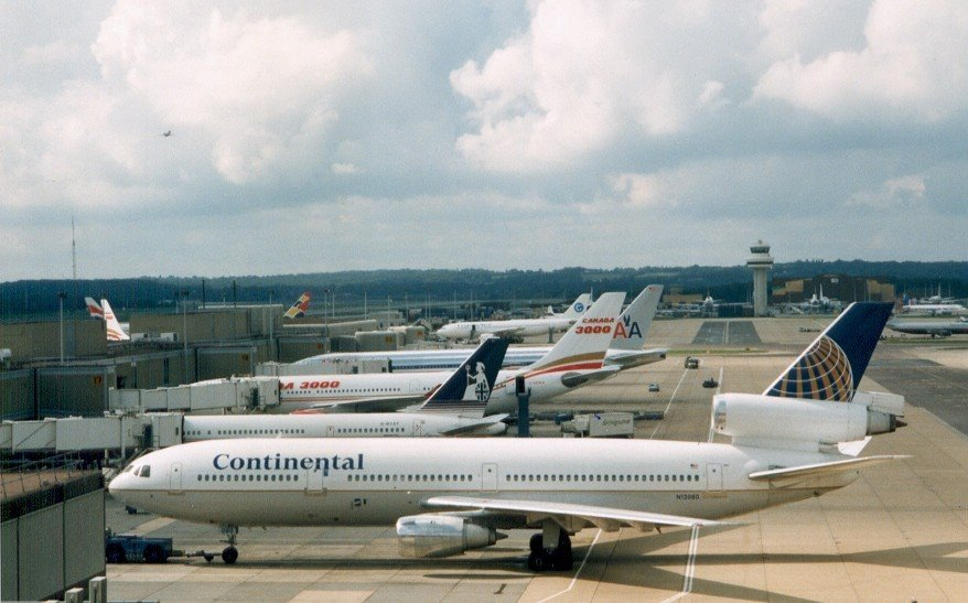 CO D10, Britannia 757, Canada3000 330, AA777 and others - London-Gatwick (LGW) - late 1990s, UK.