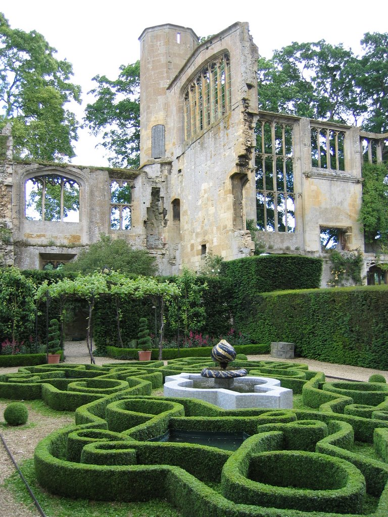 Sudeley Castle Garden & Ruins