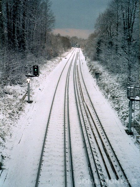 Snowy tracks at Ravensbourne station