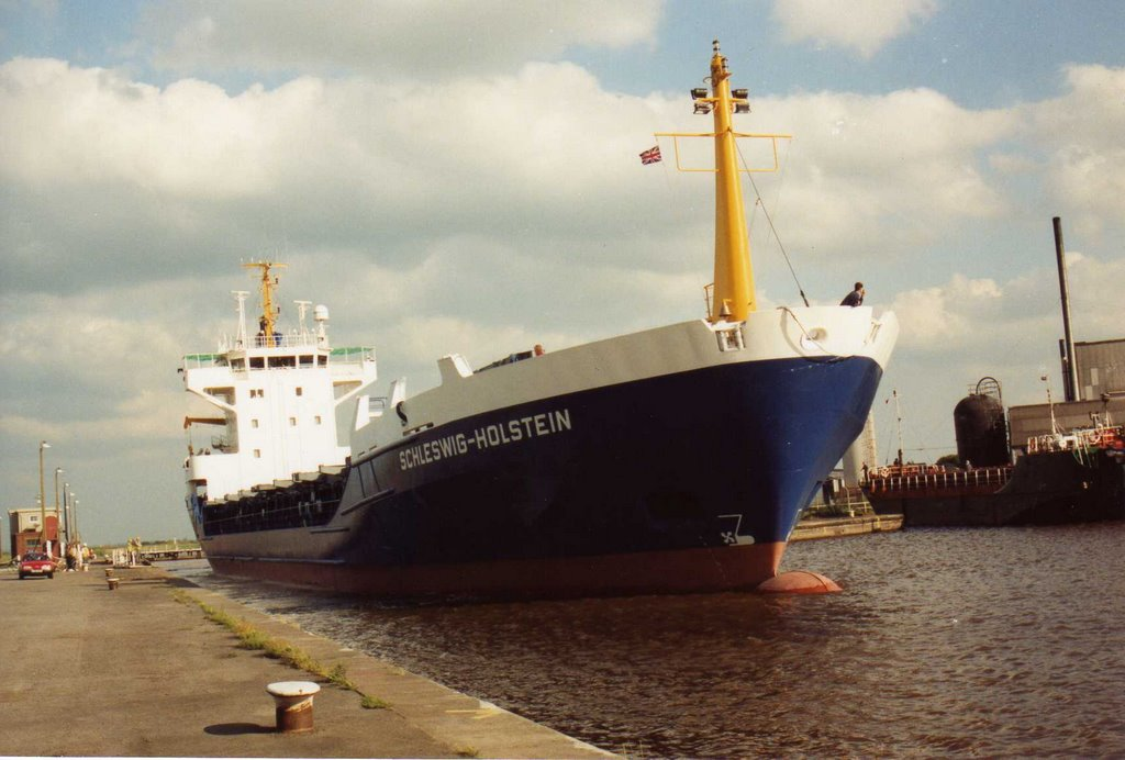 mv Schleswig Holstein on maiden voyage, entering Ocean Lock, Goole. 1991.