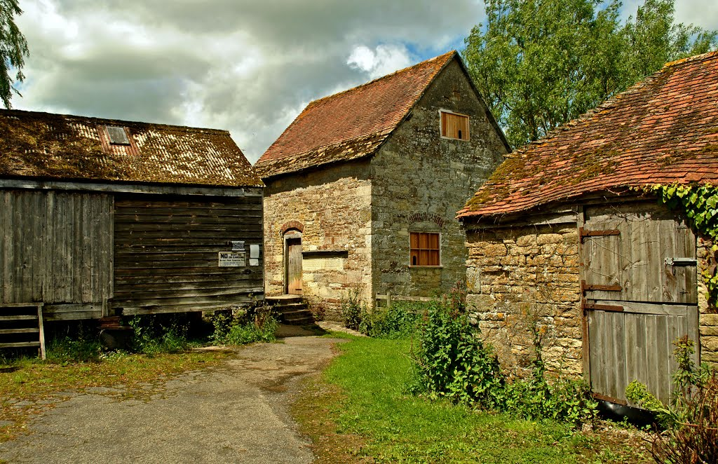 Fiddleford Mill ~ Farmyard & Pigeon holes