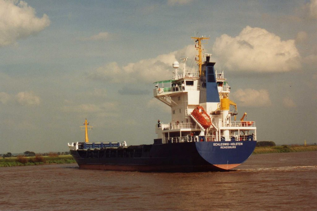 River Ouse Goole, at Tidetime. July 1991