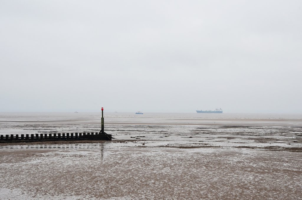 At low tide (Cleethorpes)